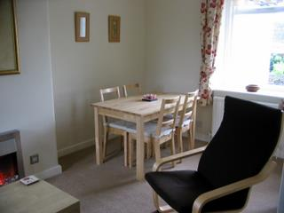 the holiday cottage dining area